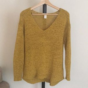 Mustard V-Neck Sweater, only worn twice ☀️